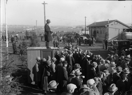 Royal Visit, May 1927. Part of the crowd at Canberra Railway Station awaiting the arrival of the Duke and Duchess of York.