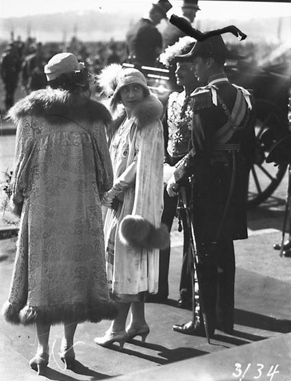 Royal Visit, May 1927  -The Duke and Duchess of York outside Parliament House