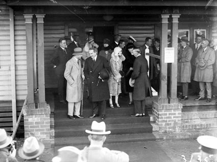 Rt Hon S M Bruce welcoming the Duke and Duchess of York at Canberra Railway Station