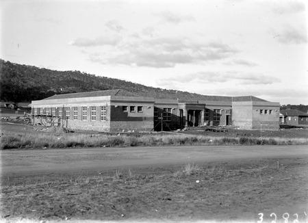 Ainslie School under construction