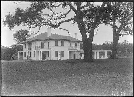 Prime Minister's Lodge from north west, Adelaide Avenue, Deakin.