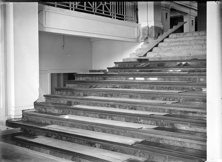 Parliament House, stairway to King's Hall