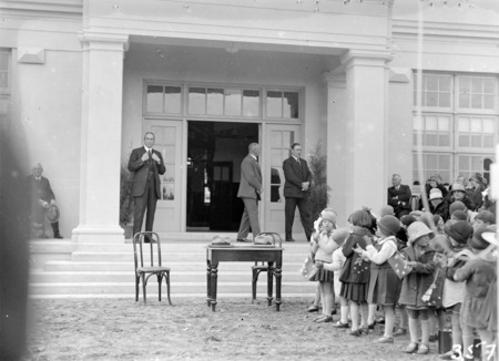 The Right Honorable Stanley Melbourne Bruce and Sir John Butters at the opening the Ainslie School in September 1927.