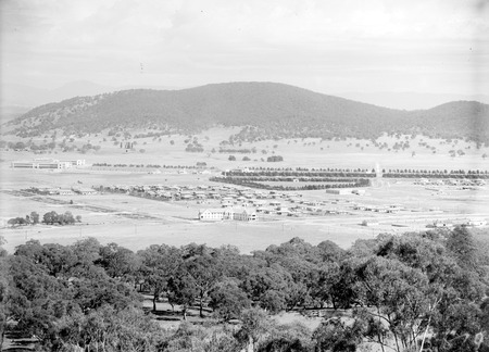 Braddon and Civic Centre from Mount Ainslie.Ainslie Hotel in centre