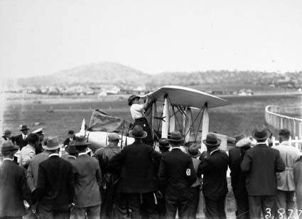 Bert Hinkler's Avro Avian aircraft - wings reattached ,side view