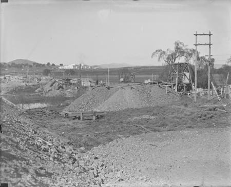 Sewerage excavations near Commonwealth Avenue Bridge.