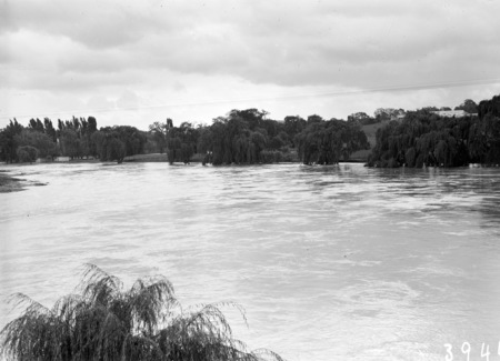 Floodwaters, Molonglo River.