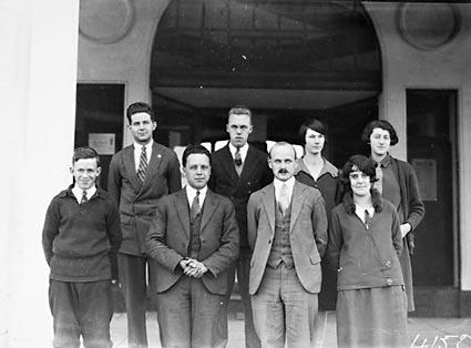 Australian General Electric Co  staff