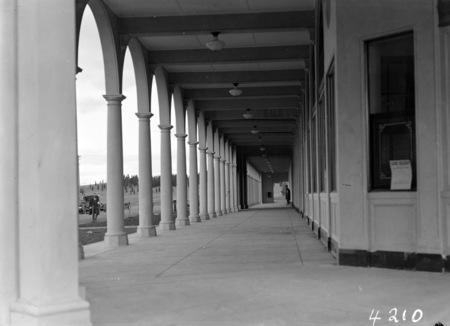 Colonnades, Melbourne Building, Civic Centre.