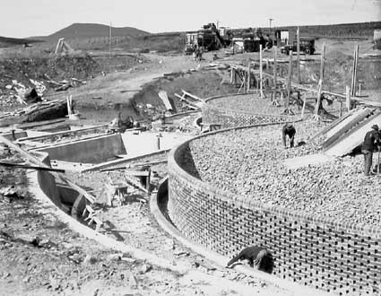 Weston Creek sewerage treatment works,construction of trickling filters and Imhoff sedimentation tanks on the left