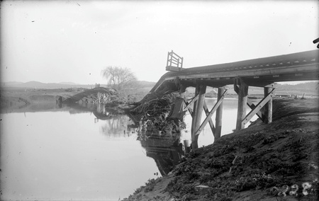 Railway bridge over Molonglo River showing flood damage after July 1922 floods