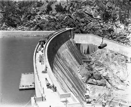 Burrinjuck Dam wall under construction