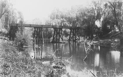 Old Acton bridge  crossing the Molonglo River