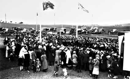 Opening of Telopea Park School, part of crowd