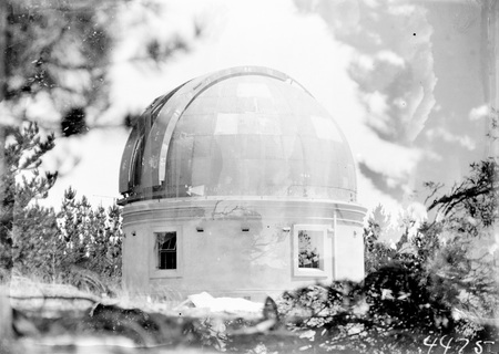 Mount Stromlo Observatory, thirty inch Reynolds Telescope, under construction.