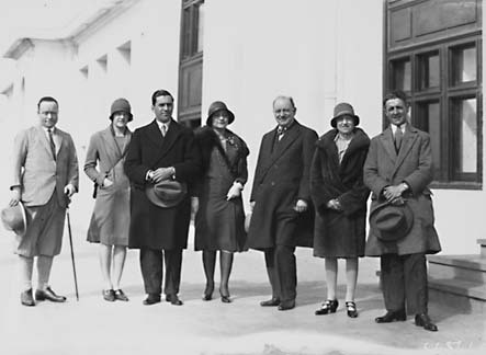 Group of musical artists outside Parliament House [includes John Brownlee, William James and Elena Daniels]