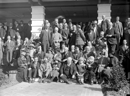 Delegates to the Imperial Press Conference at the Hotel Canberra, with William Morris Hughes and Dame Mary Hughes.