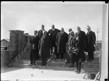 Group of delegates to the Imperial Press Conference.