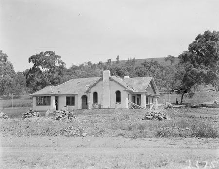 House owned and built by John Deans, Mugga Way.