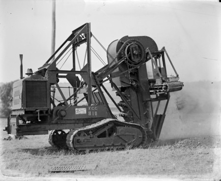 Motor driven ditch digger, FCC (Federal Capital Commission) 810.