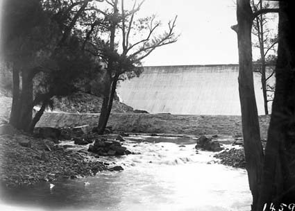 Cotter Dam wall from downstream