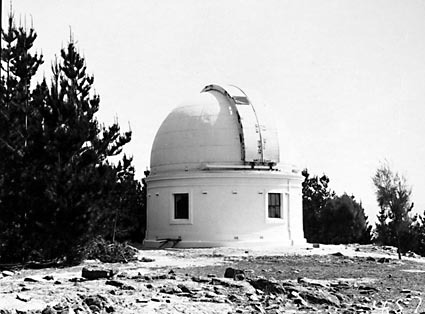 Mount Stromlo Observatory,thirty inch Reynolds Telescope,under construction