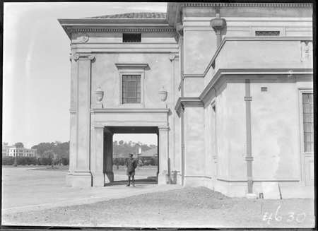 Portico of Albert Hall with uniformed policeman, Commonwealth Avenue, Parkes.