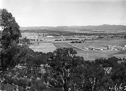 View from Mount Ainslie along Anzac Avenue towardsParliament House