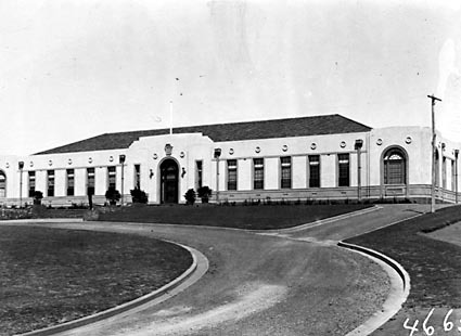Australian Forestry School,Banks Street,Yarralumla