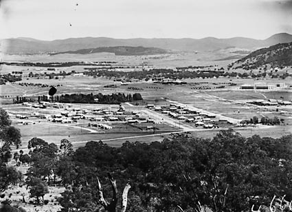 Reid from Mount Ainslie,Civic Centre buildings on right