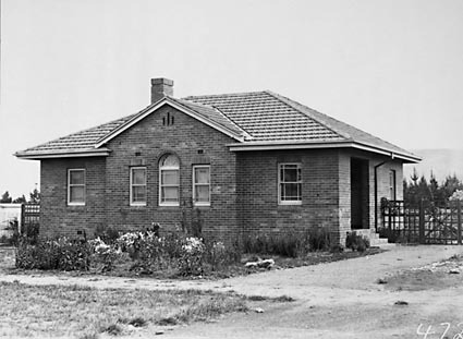 Federal Capital Commission Cottage Type 23 J3