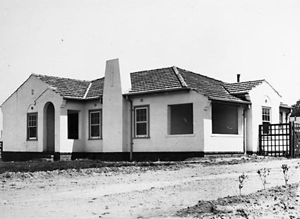 Federal Capital Commission Cottage Type 3