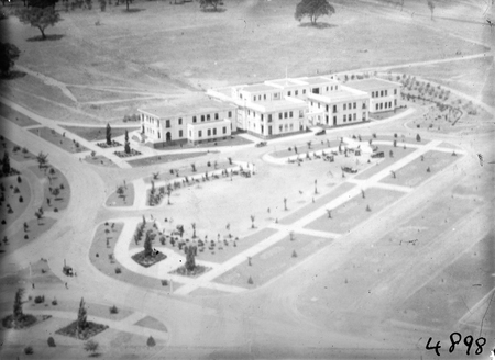 Aerial view over East Block and Kings Avenue.