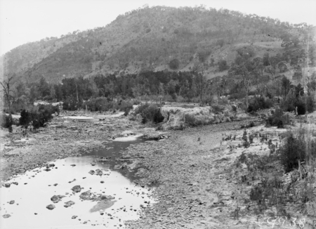 Confluence of the Murrumbidgee River (right) and the Cotter River during a drought and low river flows.