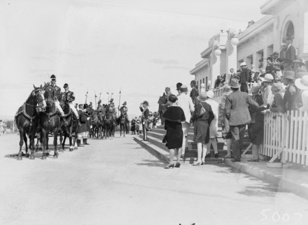 Opening of the 16th Parliament. Govenor-General taking the salute  on the steps of Parliament House showing harnessing of landau and positions of the Light Horse escort.