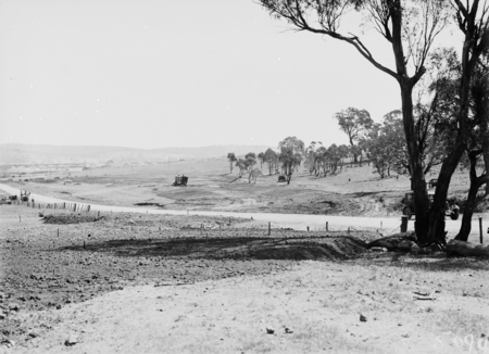 Duntroon Road now Fairbairn Avenue, Campbell, looking towards Reid. Site of the War Memorial on the right.