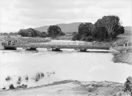 Scott's Crossing over the Molonglo River.