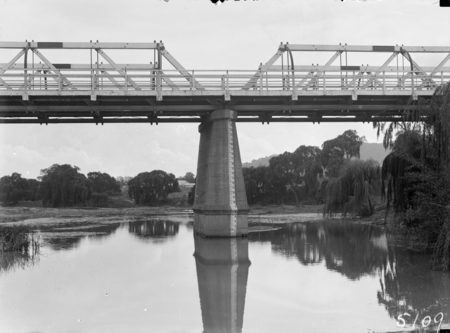 Commonwealth Avenue Bridge over the Molonglo River showing depth gauge.
