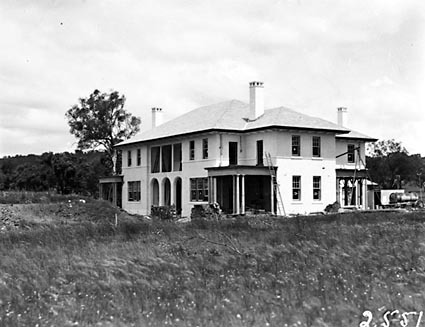 Prime Minister's Lodge , Adelaide Avenue , Deakin, from west