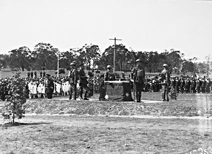 Anzac Day 1929 , War Memorial site- Unveiling the Stone of Remembrance