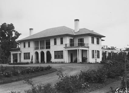 Prime Ministers lodge,Adelaide Avenue, Deakin, from the north