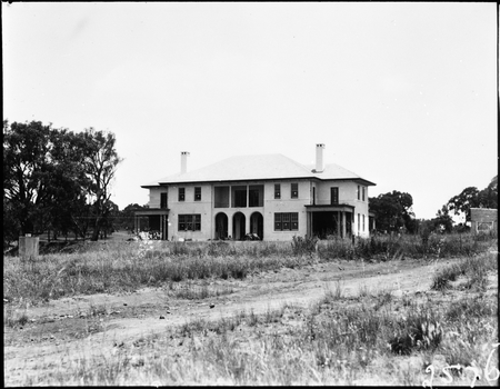 Front of Prime Minister's Lodge, Adelaide Avenue, Deakin, from the north.