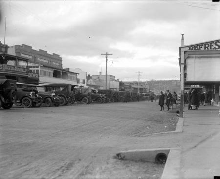 Left side of Monaro Street, Queanbeyan looking north.