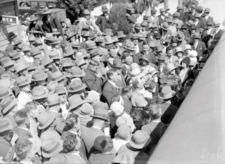 Mr & Mrs Scullin with the welcoming  crowd at Canberra Railway Station