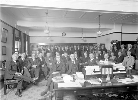 Newly elected Labor members of the 16th Parliament, Scullin Ministry with Lyons, Chifley and Curtin in front