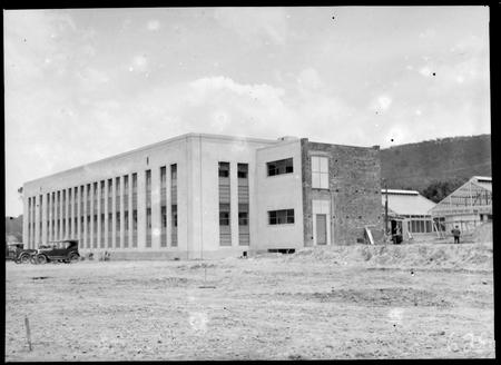 Australian Institute of Anatomy under construction, November 1932.