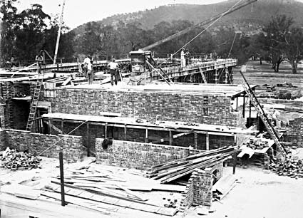 Australian Institute of Anatomy under construction, McCoy Circle, Acton