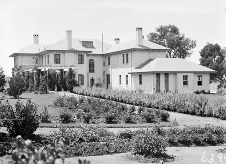Prime Ministers Lodge from the west. Adelaide Avenue, Deakin.