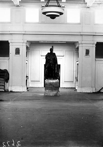 Statue of King George V in Kings Hall, Parliament House