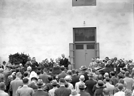 Prime Minister Rt Hon J H Scullin and official guests at the opening CSIR Building. Division of Entomology, Clunies Ross Street, Black Mountain.
